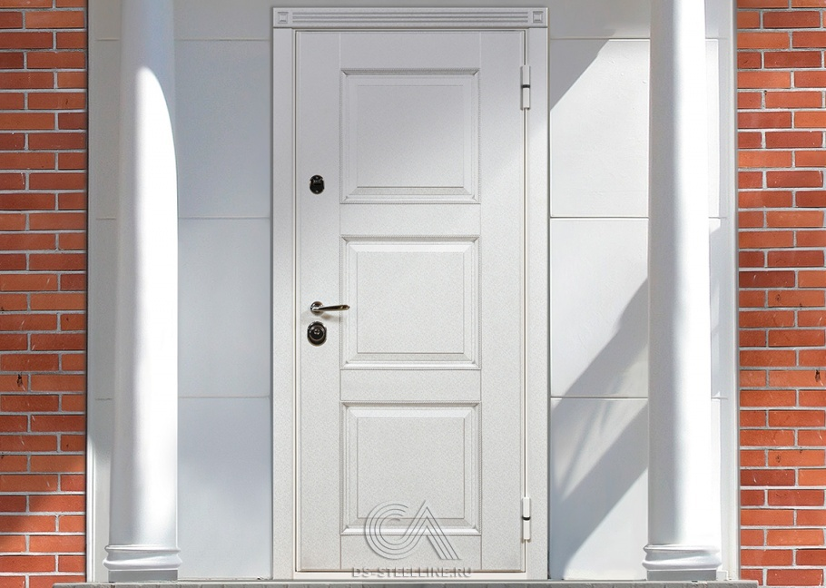 двери металлические входные белого цвета